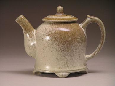 Peter-Meyer-ash-like-tea-pot